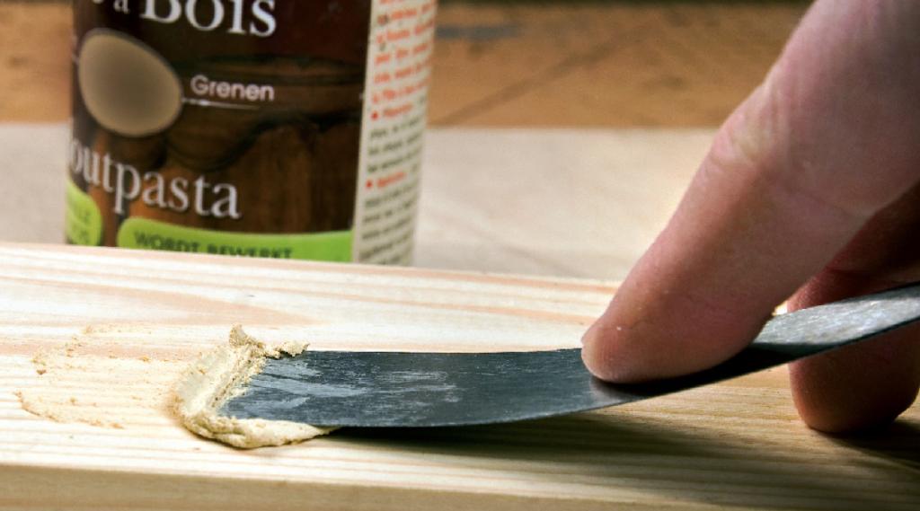 Pâte à bois pour ponçage